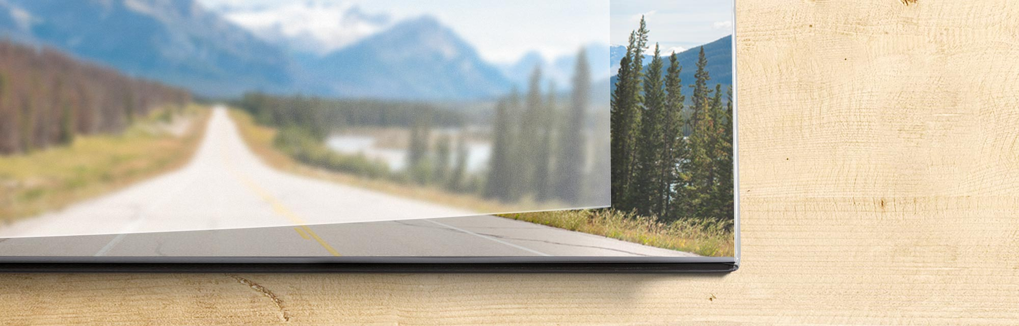 Premium books : Add a touch of class with a premium photo book. Printed on premium metallic-quality photo paper reserved for photography professionals.